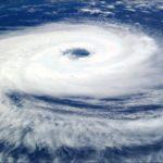暴風警報は風速何メートルから?発令と解除の基準や強風注意報との違いは?